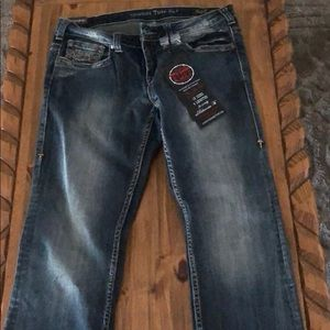 NWT Cowgirl Tuff Company Jeans, Size 33 Regular